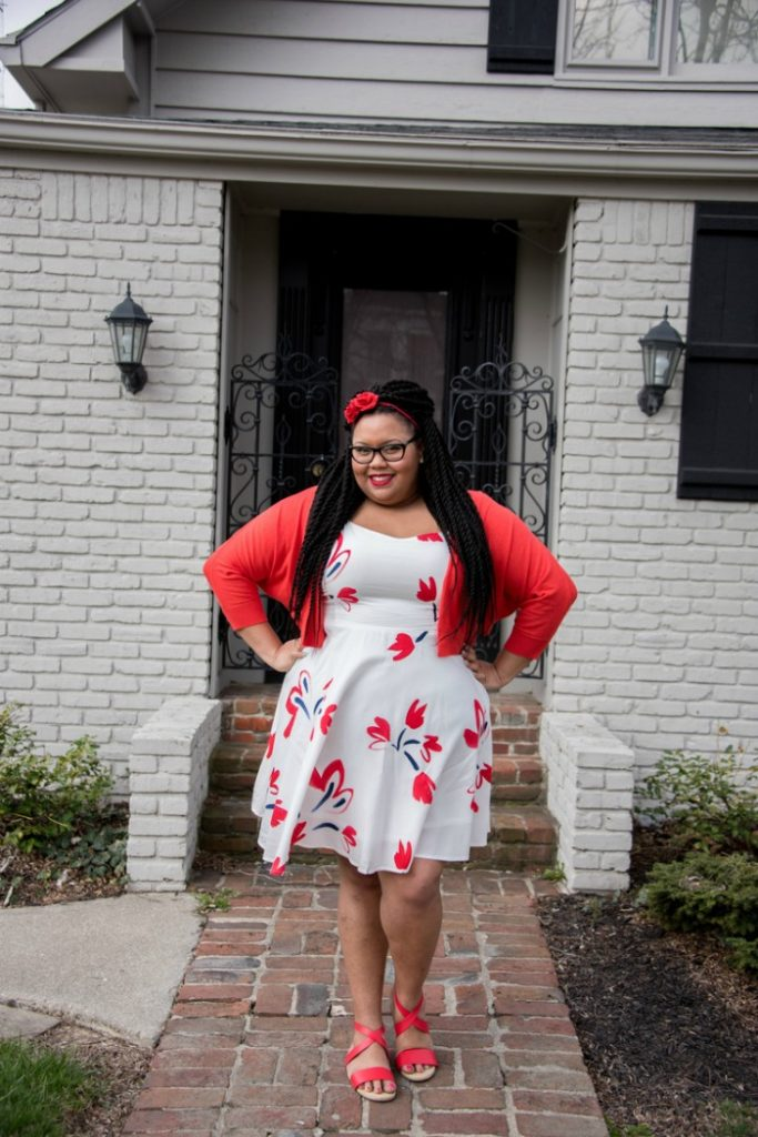 How to attain simplicity in your spring wardrobe - Eclectic Kurves - Click through to check out what she and other bloggers have to say about the topic!