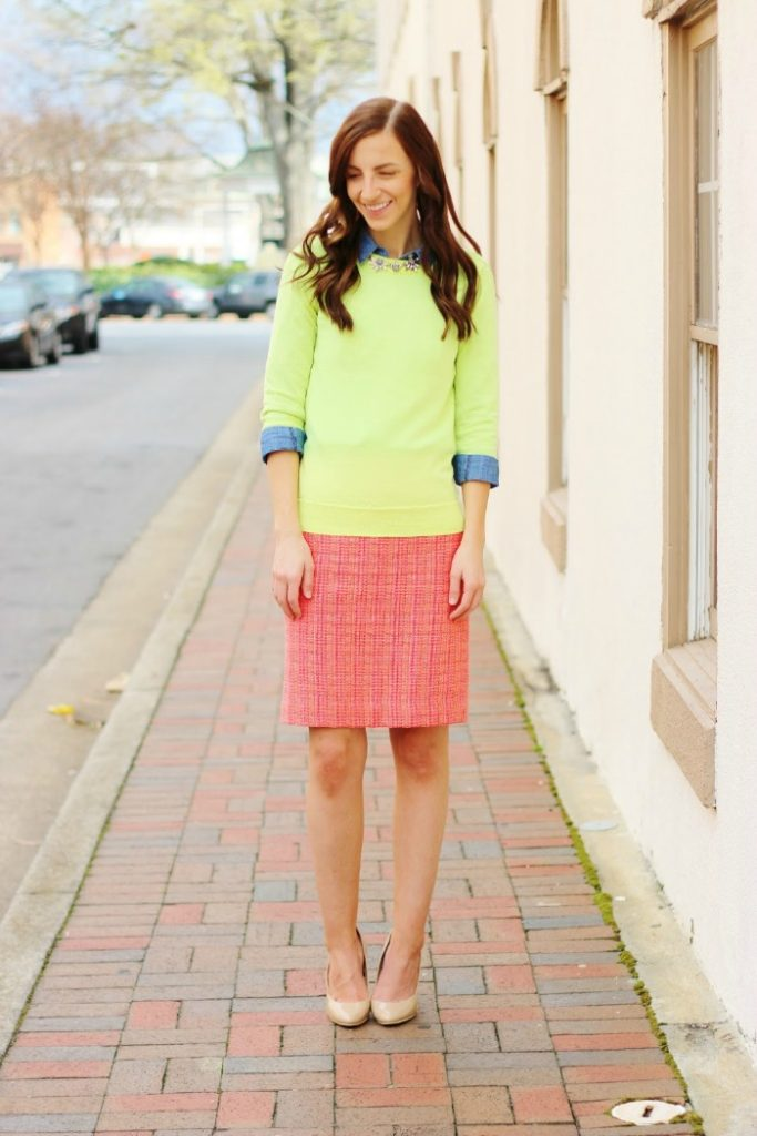 How to attain simplicity in your spring wardrobe - The Happy Flammily - Click through to check out what she and other bloggers have to say about the topic!