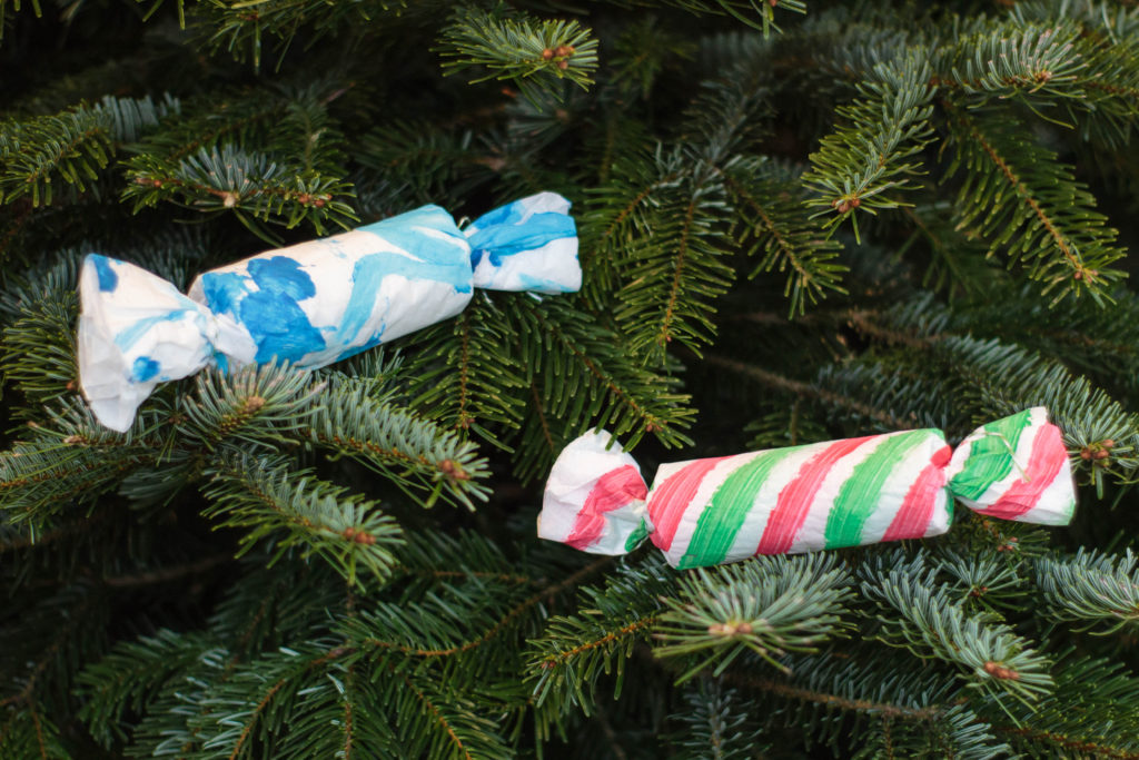 Toddler craft - toilet paper Christmas cracker